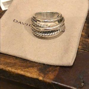 David Yurman ring. New wide crossover ring